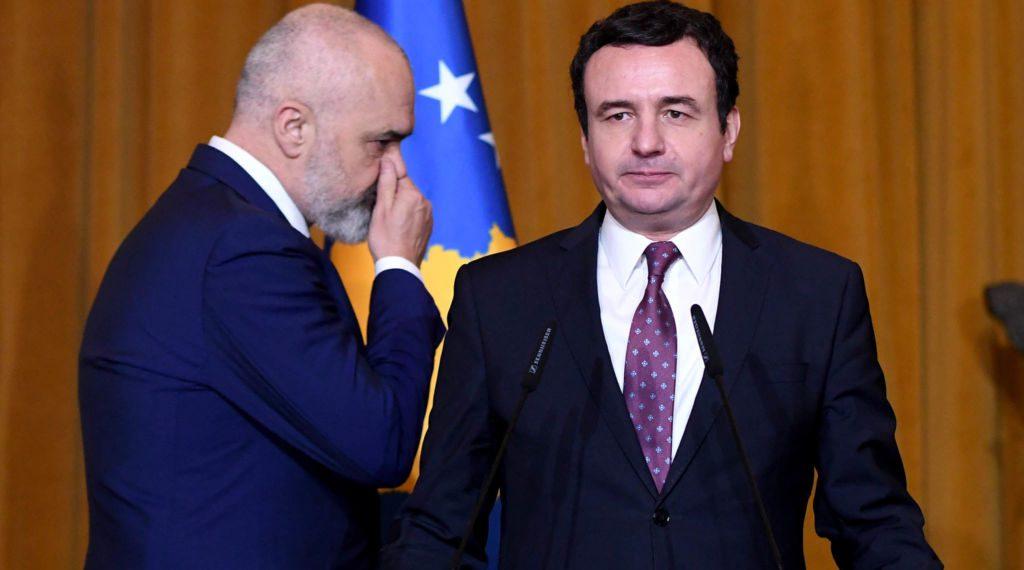 Kryeministri i Kosoves, Albin Kurti, Kryeministri shqiptar, Edi Rama, duke hyre ne nje konference te perbashket shtypi, ku deklaruan se jane gati per te nisur pergatitjet per mbledhjet e dy qeverive, dhe folen per rendesine e bashkepunimit midis dy vendeve. Kjo eshte vizita e pare zyrtare e Kurtit ne Tirane si Kryeminister i Kosoves./r/n/r/nKosovo's Prime Minister Albin Kurti, Albania's Prime Minister Edi Rama, enter at a joint press conference, stating that they are ready to start preparations for the two governments' meetings, and spoke about the importance of co-operation between the two countries. This is Kurti's first official visit to Tirana as Prime Minister of Kosovo.